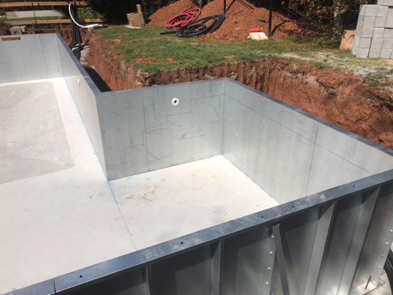 Montaggio strutture prefabbricate piscina - Piscina in lamiera ...